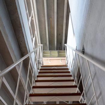 【下階】それでは最後に玄関周りを。
