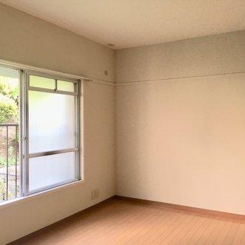 こちらは廊下つきあたりの洋室です。6帖ほどですが狭さはそんなに感じなかった!