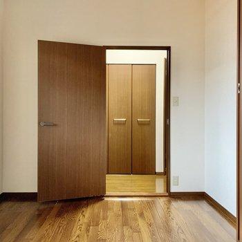 開き戸だから個室感高め◎