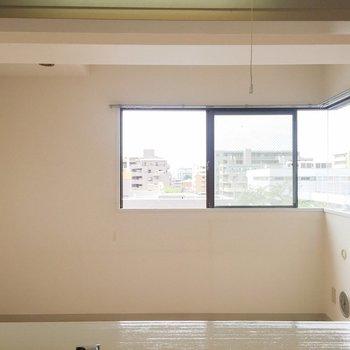 【LDK】カウンターキッチンからの眺め。