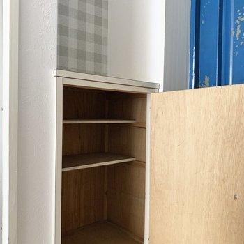 シューズボックスは小さめなので、シューズはなるべく少なくね。(※写真のお部屋は清掃前のものです)