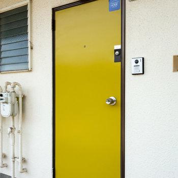 ドアもレトロでいいですね。ダブルロックなのも嬉しい。