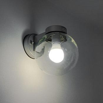 照明もナイスレトロ。カーボン電球に交換すると雰囲気UP!