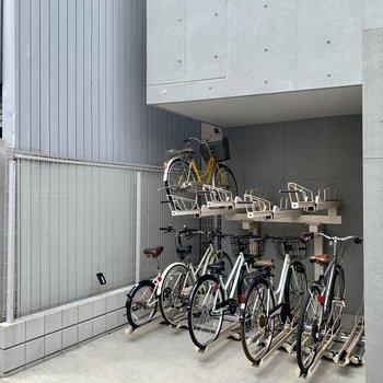 自転車置き場も有ります。