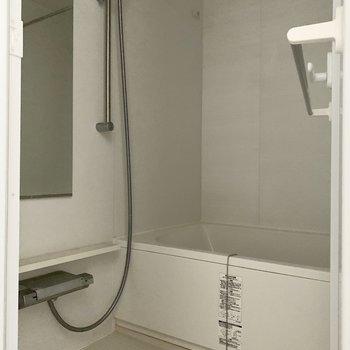 浴室乾燥機つきです。※写真は通電・クリーニング前のものです