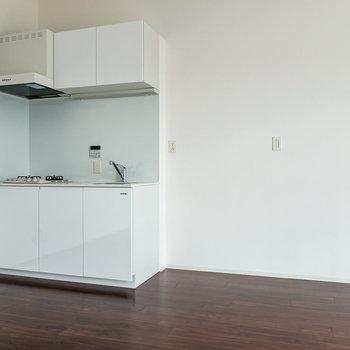【3F】キッチン周りもゆったり。※写真は通電前のものです