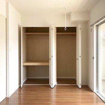 収納スペースには季節物の家電などをしまっておこっと。(※写真のお部屋は清掃前のものです)