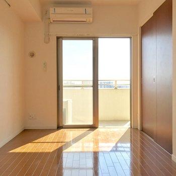 洋室同士は引き戸で仕切れます。※写真は10階の同間取り別部屋のものです