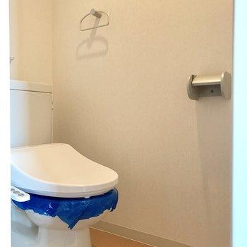 ウォシュレット付いてます!※写真は10階の同間取り別部屋のものです。実際とは仕様が異なります。