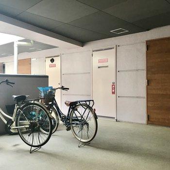 自転車はそれぞれのフロアへ。