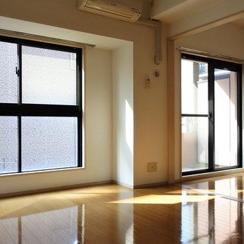 窓がおおきい!※写真は6階の反転間取り別部屋のものです