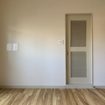 水回りはこの扉の奥に。