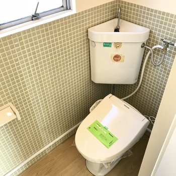 トイレとお風呂は統一されたタイルで◎