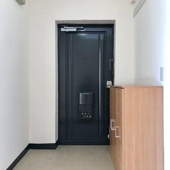 玄関もけっこう広いんです!