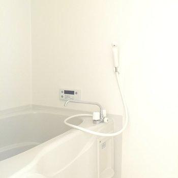 浴室乾燥機付きおふろ!ゆったり浸かれそう。※写真は前回募集時のものです