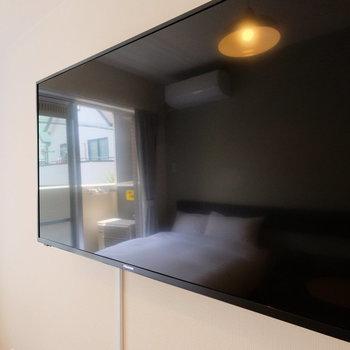 43インチの壁付けTV!嬉しい可動式◎※写真は別部屋です