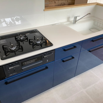 【LDK】作業スペースもしっかりあるキッチン。こんなキッチンで料理したいな。