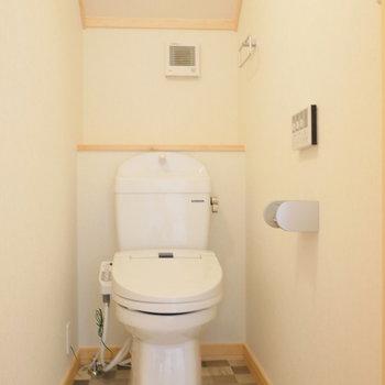 2階に個室トイレ。