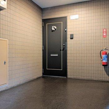 エレベーターのすぐそばです
