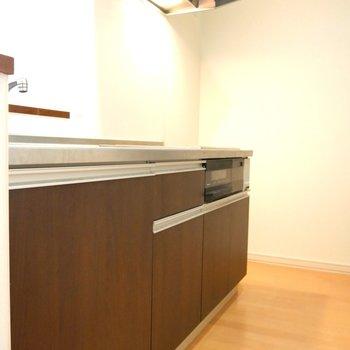 キッチンはかなり広いですよ!