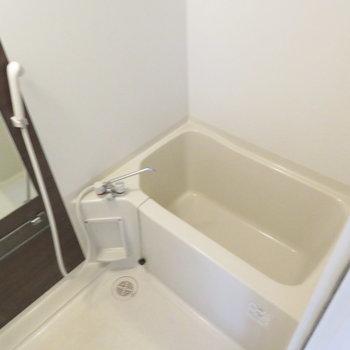 お風呂綺麗ですね(※写真は12階の同間取り別部屋のものです)