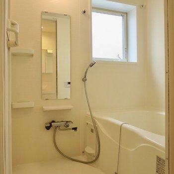 追い焚き・浴室乾燥付きで使いやすい〜※写真は前回募集時のものです