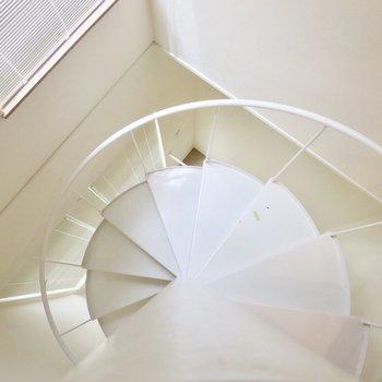 どこまでも続きそうな螺旋階段※写真は前回募集時のものです