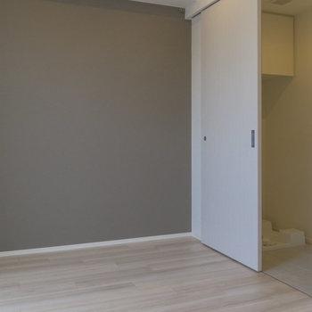 落ち着ける色 ※写真は8階同間取り別部屋のものです