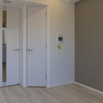 クルッと回って。あの扉は?