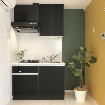かわいくコンパクトなキッチン。※写真の家具類はイメージです