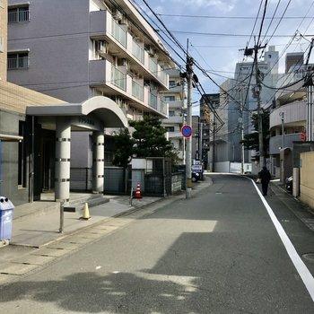 まわりは閑静な住宅街。高宮駅までも約3分!
