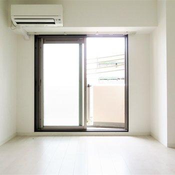 正方形の間取りが家具の配置を容易に(※写真は3階の反転似た間取り別部屋のものです)