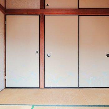 【和室】和室、という感じの雰囲気ですよ。※写真はクリーニング前のものです