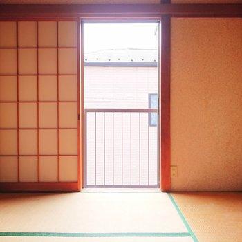 【和室】畳の心地には笑顔がこぼれます。※写真はクリーニング前のものです