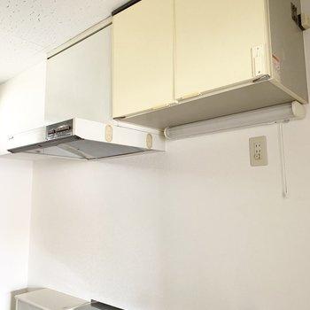 上にも収納スペースがあります。あまり使わないものはこちらに。
