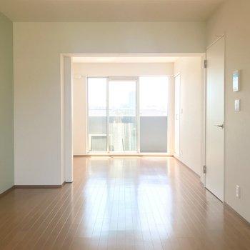洋室をみていきましょう。