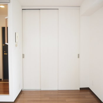 この扉の奥には...?