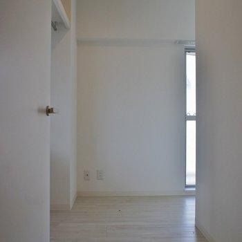 こちらは納戸☆収納スペースにしちゃおう!!※写真は同タイプの別室。