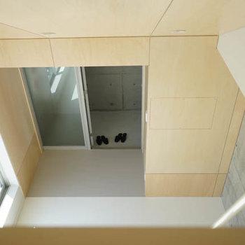 ロフトから見下ろしたところ。※写真は3階の反転間取り別部屋のものです