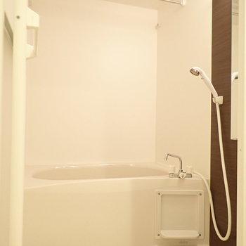 お風呂は浴室乾燥がありました。 ※写真は前回募集時のものです
