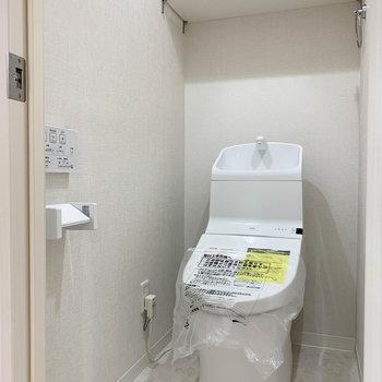 トイレは独立。もちろんウォッシュレット付き。