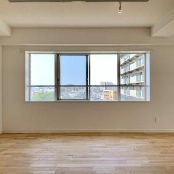 西向きの窓からの眺望は素敵すぎるんです、、