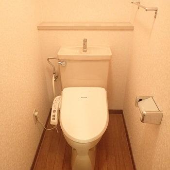 ゆったり感のあるトイレです