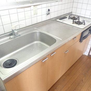 キッチンはシンクが広くて使いやすそう!
