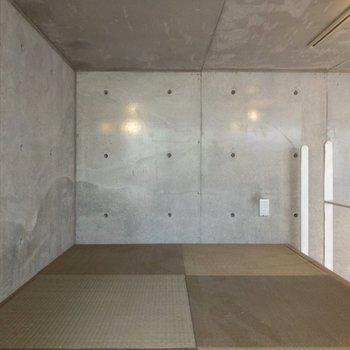 【ロフト】瞑想が捗りそう。※写真はクリーニング前のものです※写真は1階の反転間取り別部屋のものです