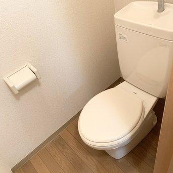 ウォシュレットはないけど、個室のトイレはやっぱりうれしい。