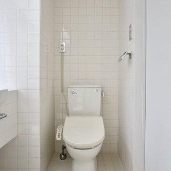 トイレはウォシュレット付きです