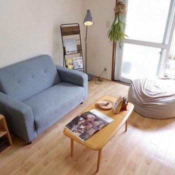 シングルベッド、または2シーターのソファベッドなどでも良いですね。※家具はサンプルです