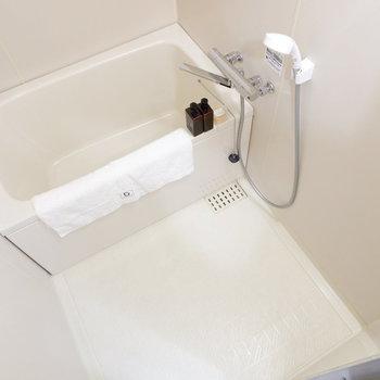 スッキリとした浴室です。※家具はサンプルです