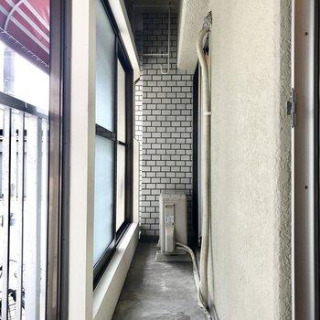 インナーバルコニー。ペアガラス&2重に窓がなっていて1階でもあんまり気にならない。